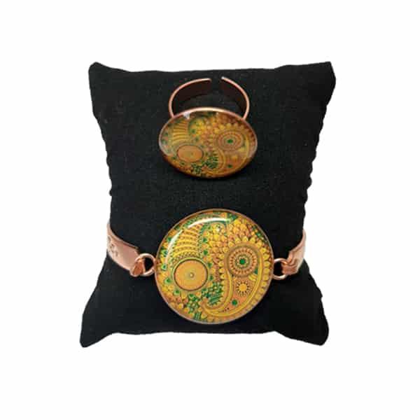 دستبند و انگشتر مسی طرح قاجاری زرد