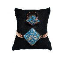 دستبند و انگشتر مسی طرح لوزی سنگ آبی