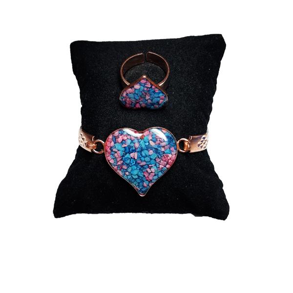 دستبند و انگشتر مسی طرح قلب آبی و صورتی