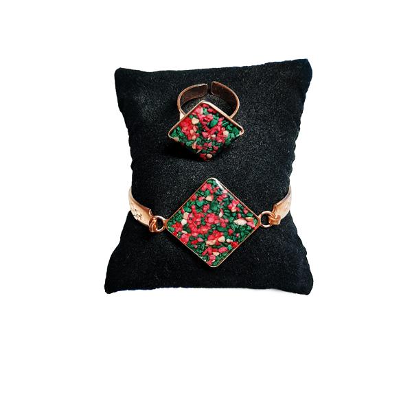 دستبند و انگشتر مسی طرح سنگ سبز و قرمز