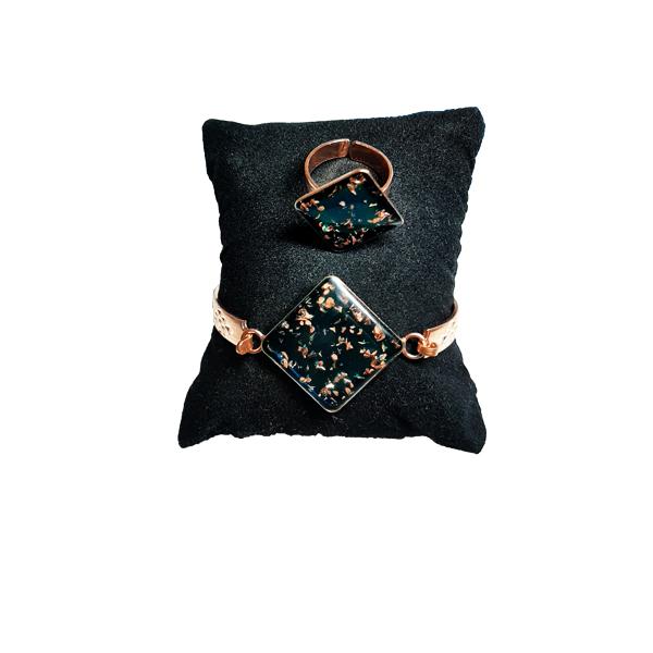 دستبند و انگشتر مسی طرح لوزی سبز کبود